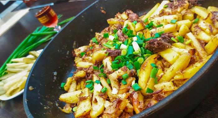 Жареная картошка с тушенкой. Лучший ужин под холодненькую Картофель, Жареная картошка, Видео рецепт, Видео, Тушенка, Рецепт, Кулинария, Еда, Видеоблог