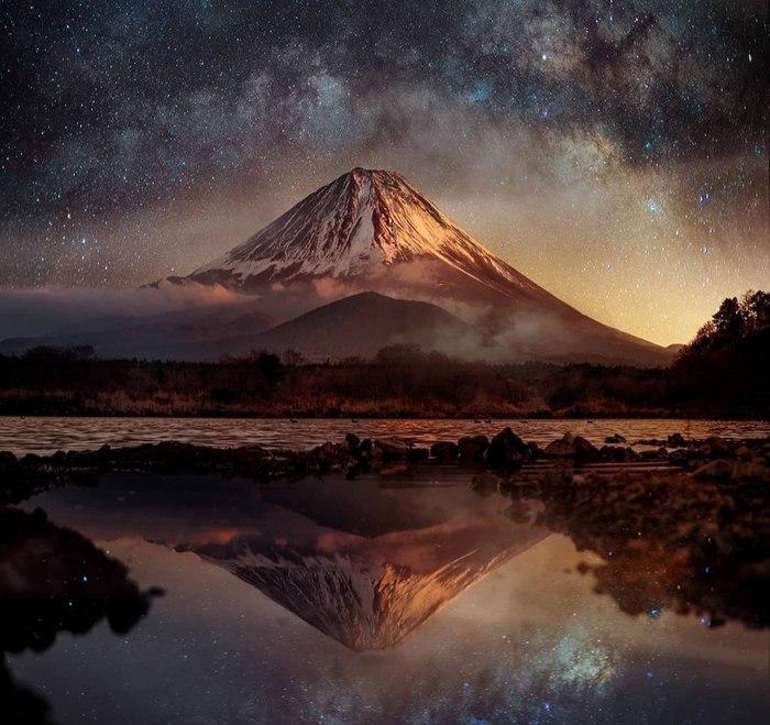 Звёздное небо над Фудзи
