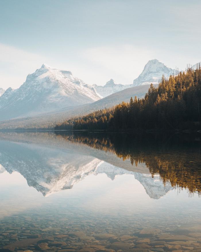 Кристально чистое озеро